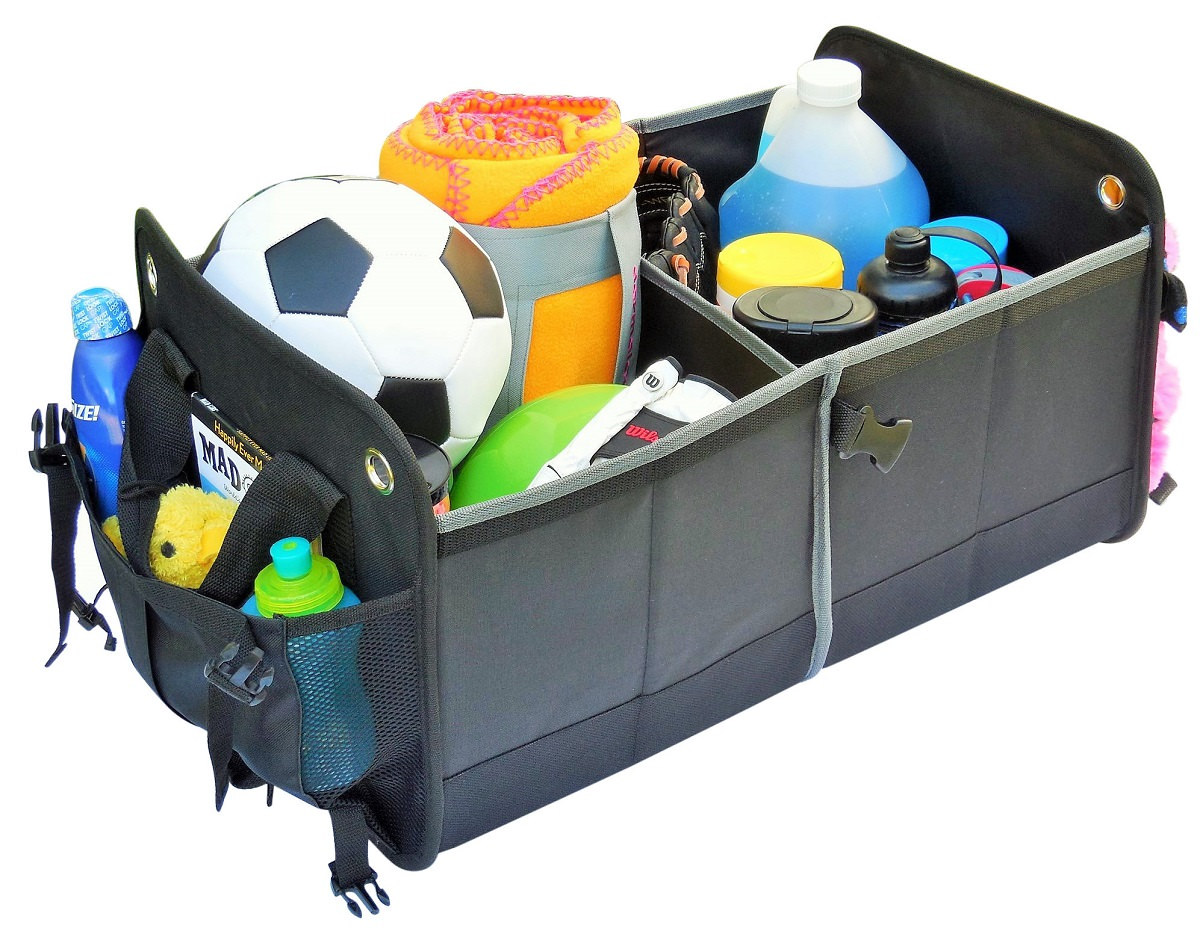 Pockets are located on both sides of the organizer to for easy access items like beverages, tissues or toys.
