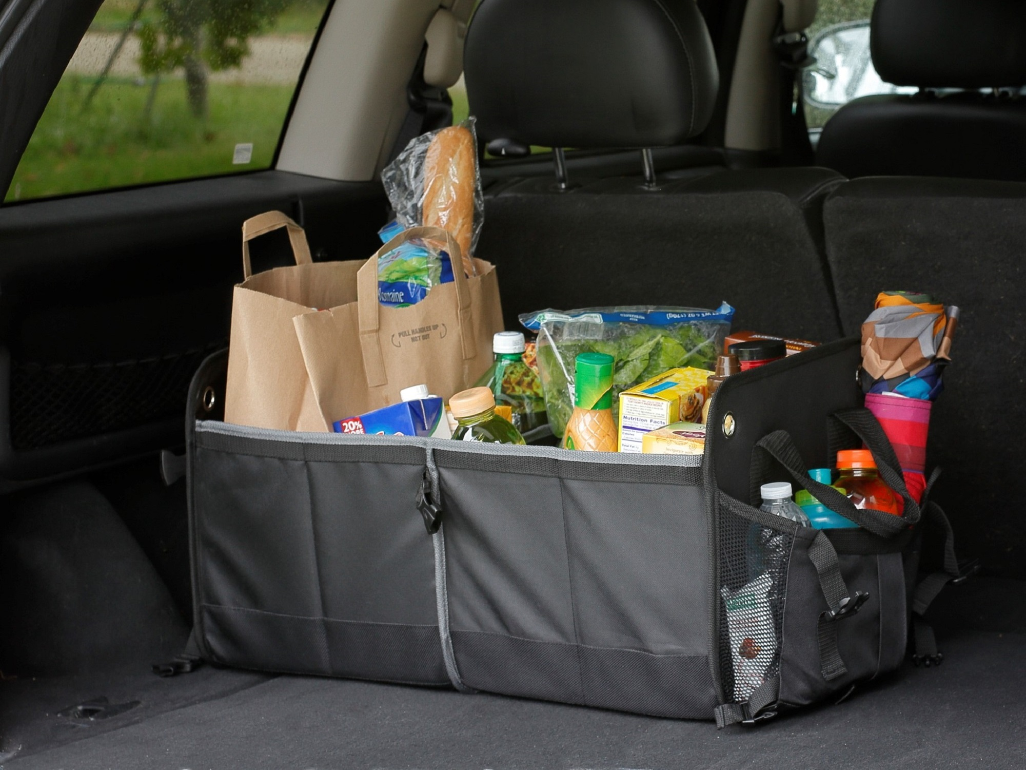 Trunk organizer with groceries